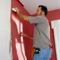 Как клеить обои в углах, на потолок и с рисунком?