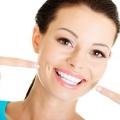 Как отбелить зубы перекисью водорода