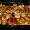 Куриные бедра в духовке с картошкой - вкусно и просто