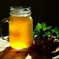Квас из березового сока: полезные свойства и способы приготовления напитка