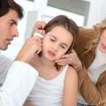По какой причине чешется ухо внутри?