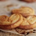 """Рецепт печенья из слоеного теста. как приготовить печенье """"ушки"""" из слоеного теста?"""