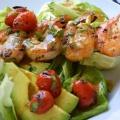 Салат с креветками и помидорами по-средиземноморски