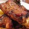 Вкуснейшая свинина с картошкой в духовке: как готовить?