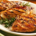 Жареные куриные грудки: рецепты. салат с жареной куриной грудкой