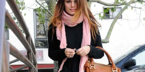 Как красиво завязать шарф на пальто?