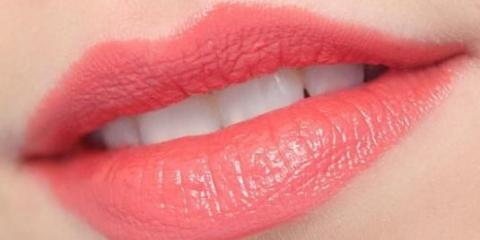 Как сделать губы пухлыми?